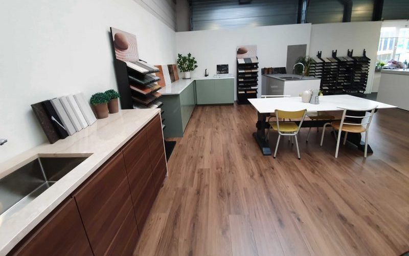 Ikea-keuken-met-natuursteen-werkblad