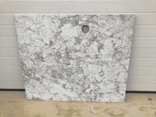 Marmer Bianco Carrara Polished 120 x 100 x 2 cm. Sparing 8 cm diameter. 48 cm van links / 14 cm van voorzijde ( op hart)